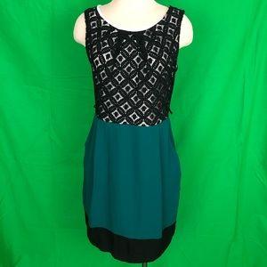 Mystic Embroidery Sleeveless Shift Dress L